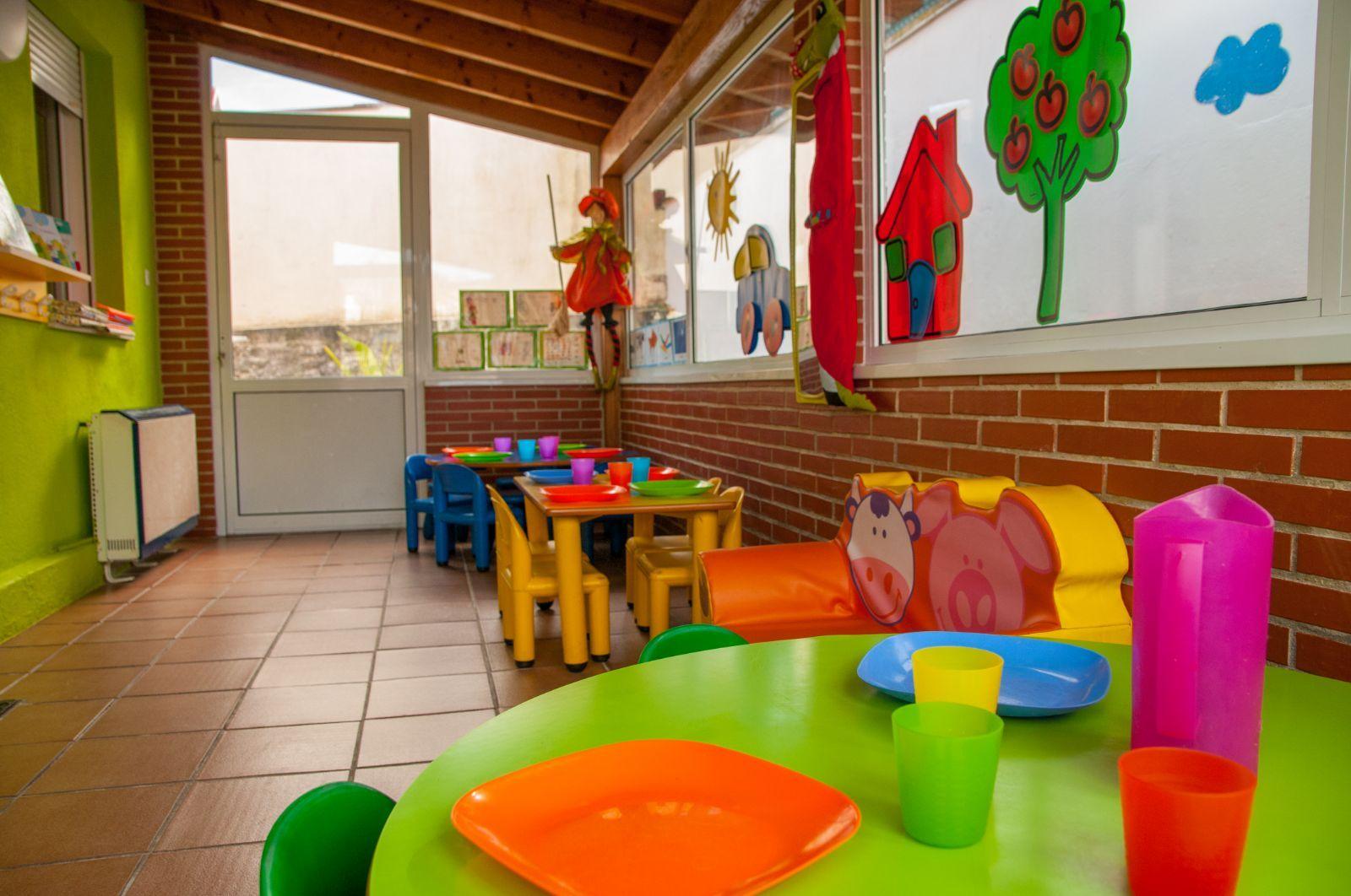 Foto 14 de Guarderías y Escuelas infantiles en Herrera de Camargo - Santander | Guardería Mikole