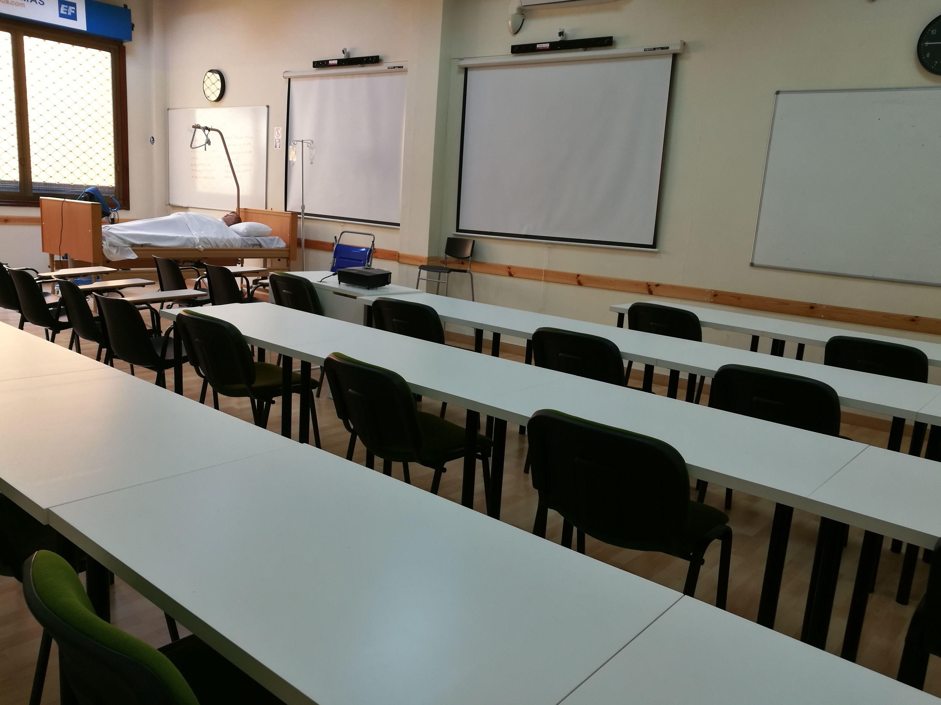 Foto 25 de Academias y centros de estudios diversos en San Cristóbal de La Laguna | CENTRO SUPERIOR DE ESTUDIOS ACUCANARIAS