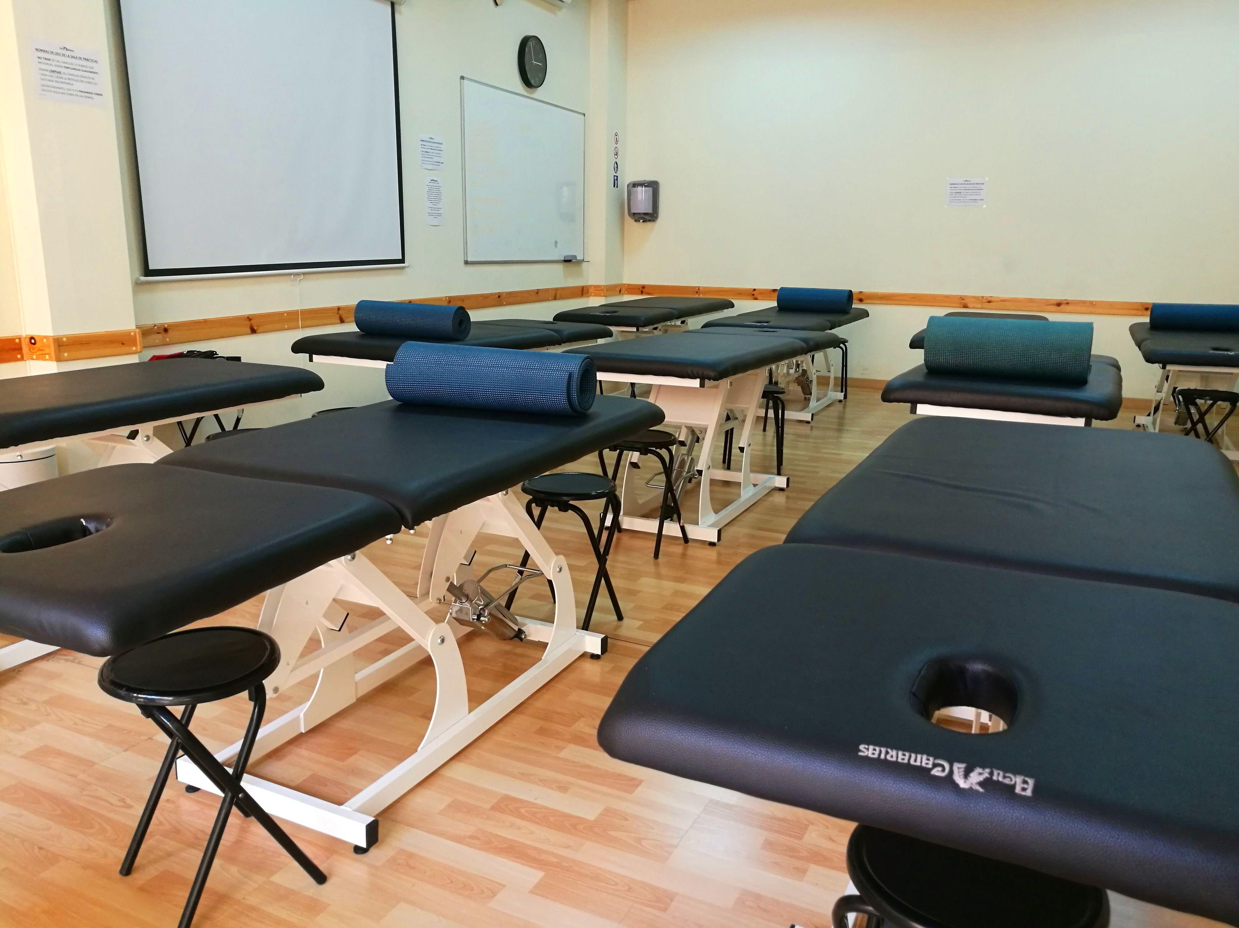 Foto 18 de Academias y centros de estudios diversos en San Cristóbal de La Laguna | CENTRO SUPERIOR DE ESTUDIOS ACUCANARIAS