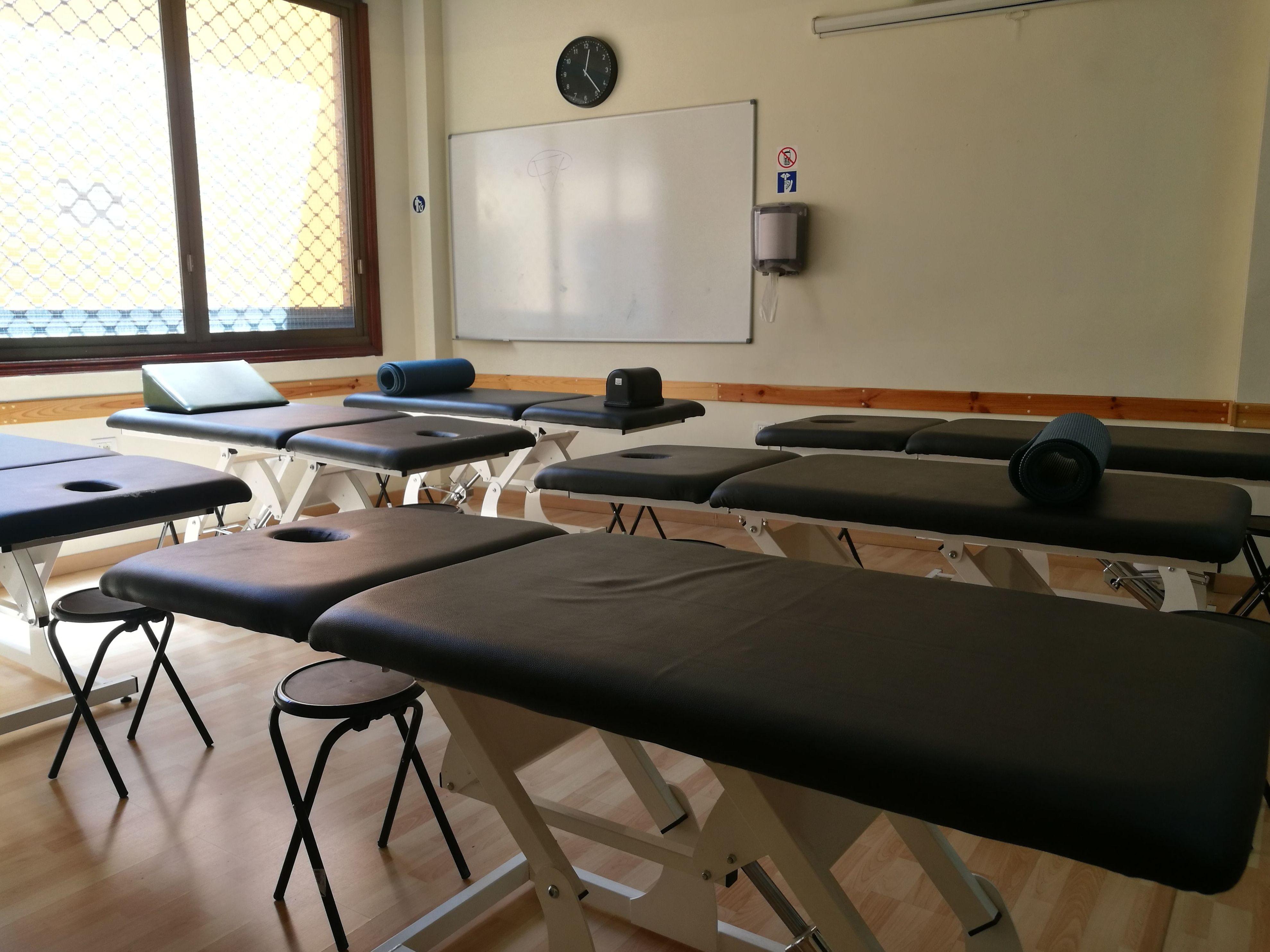 Foto 19 de Academias y centros de estudios diversos en San Cristóbal de La Laguna | CENTRO SUPERIOR DE ESTUDIOS ACUCANARIAS