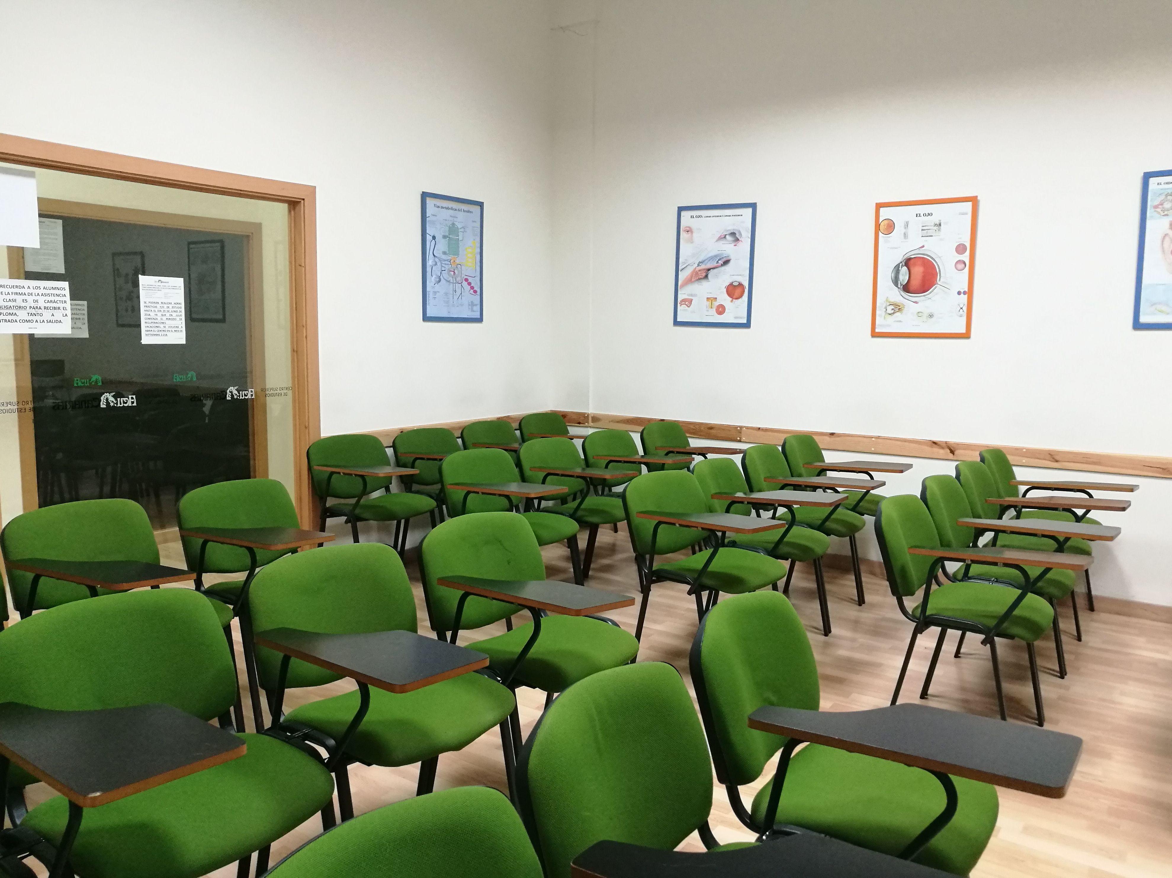 Foto 20 de Academias y centros de estudios diversos en San Cristóbal de La Laguna | CENTRO SUPERIOR DE ESTUDIOS ACUCANARIAS