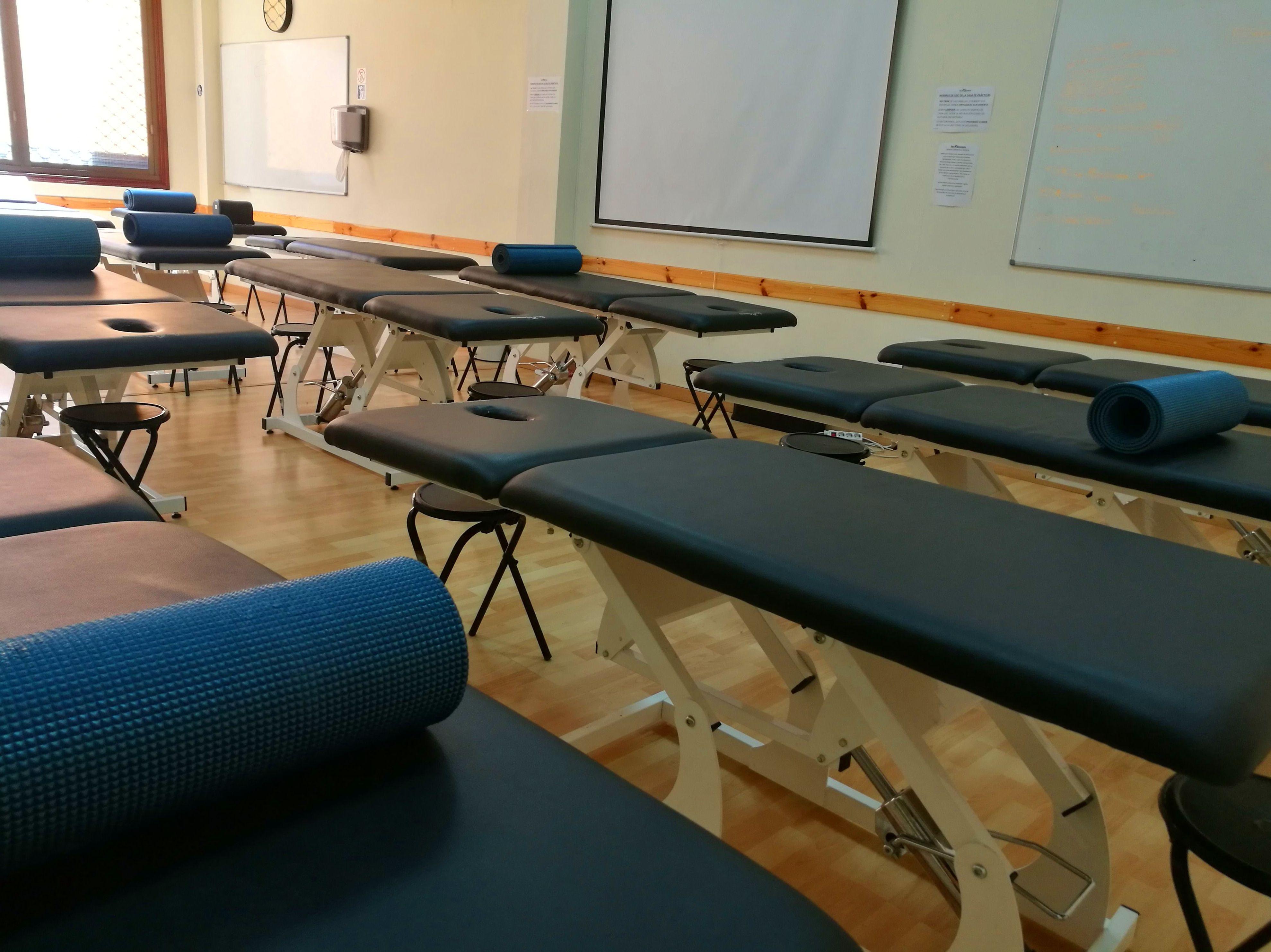 Foto 15 de Academias y centros de estudios diversos en San Cristóbal de La Laguna | CENTRO SUPERIOR DE ESTUDIOS ACUCANARIAS