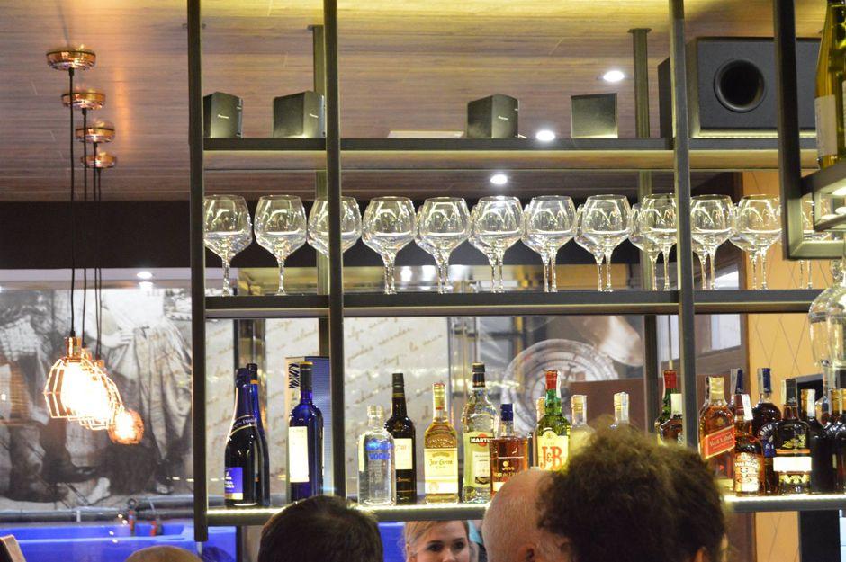 En la Maroteca también puedes tomar una copa