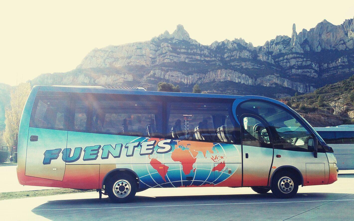 Transporte Escolar: Servicios de Autocars Fuentes