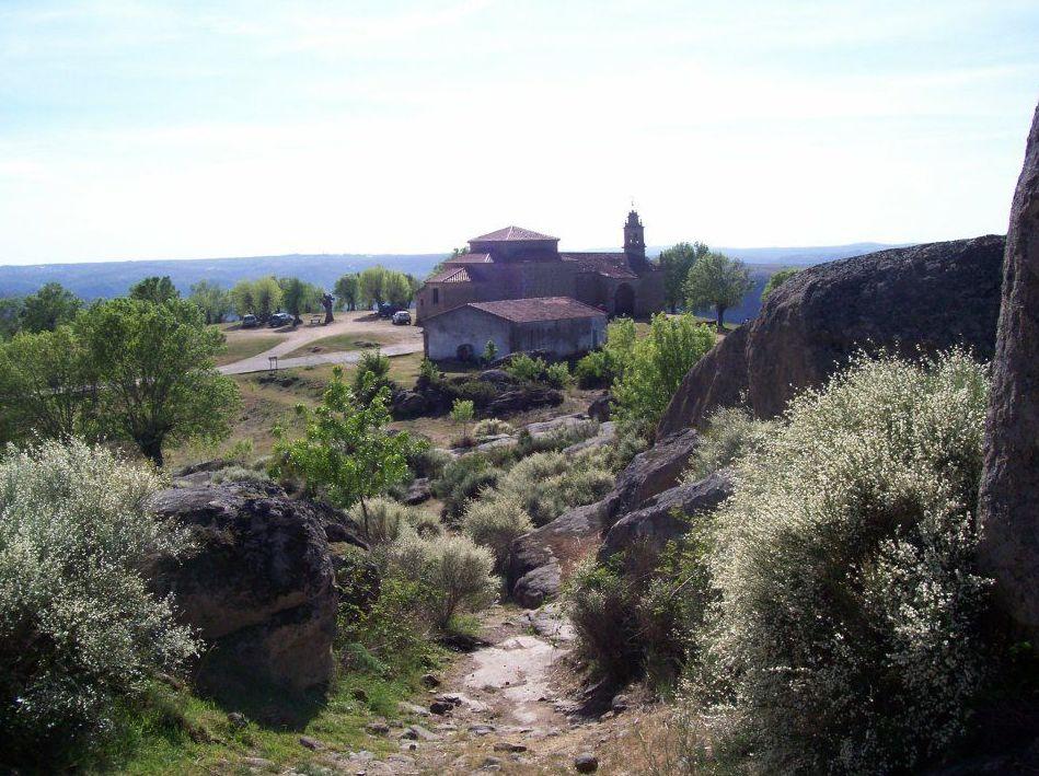 La ermita de nuestra señora del castillo pereña las arribes
