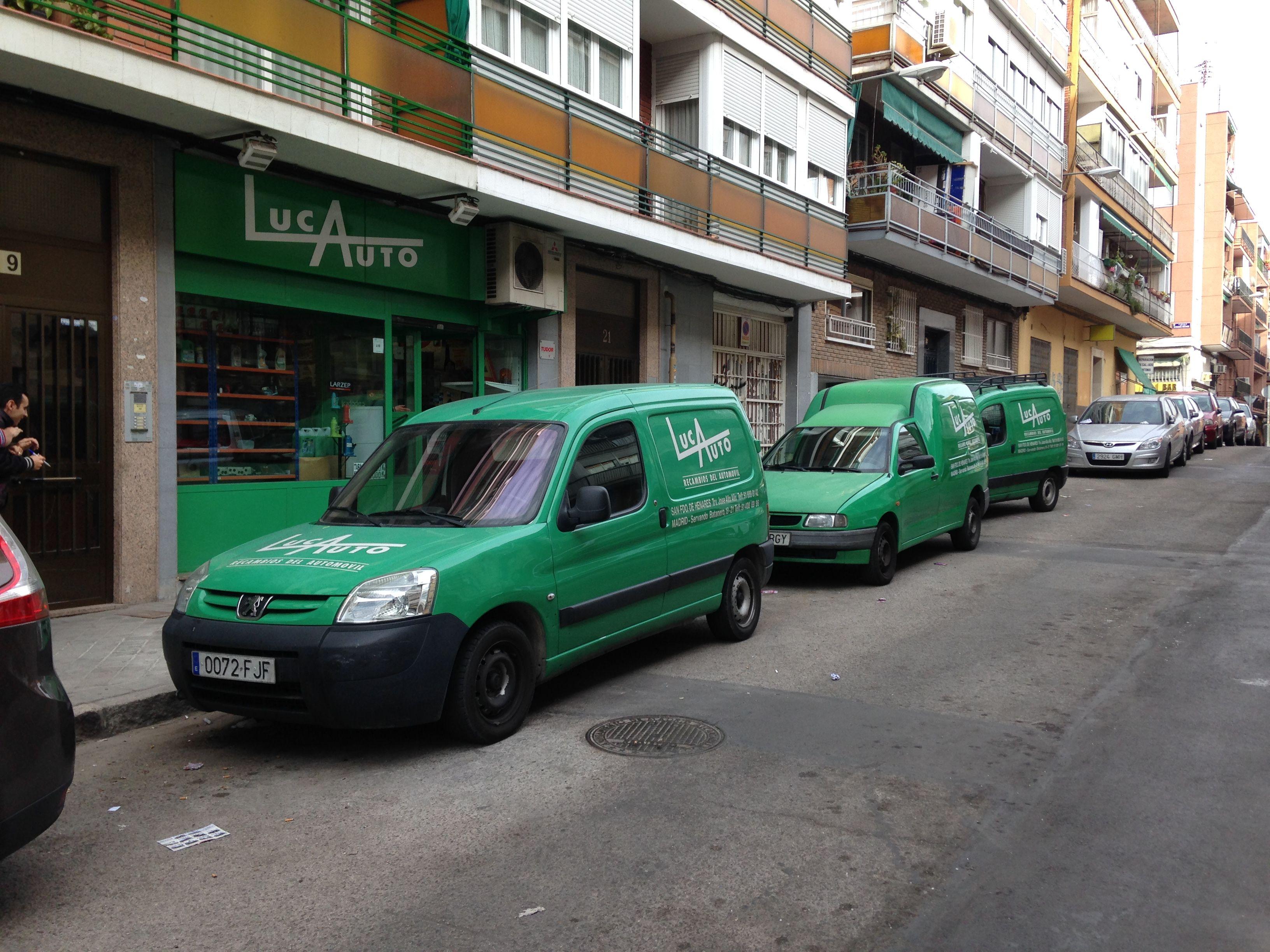 Tienda de recambios del automóvil en Cuidad Lineal
