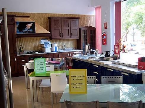 Exposición de muebles de cocina en Mazarrón, Murcia