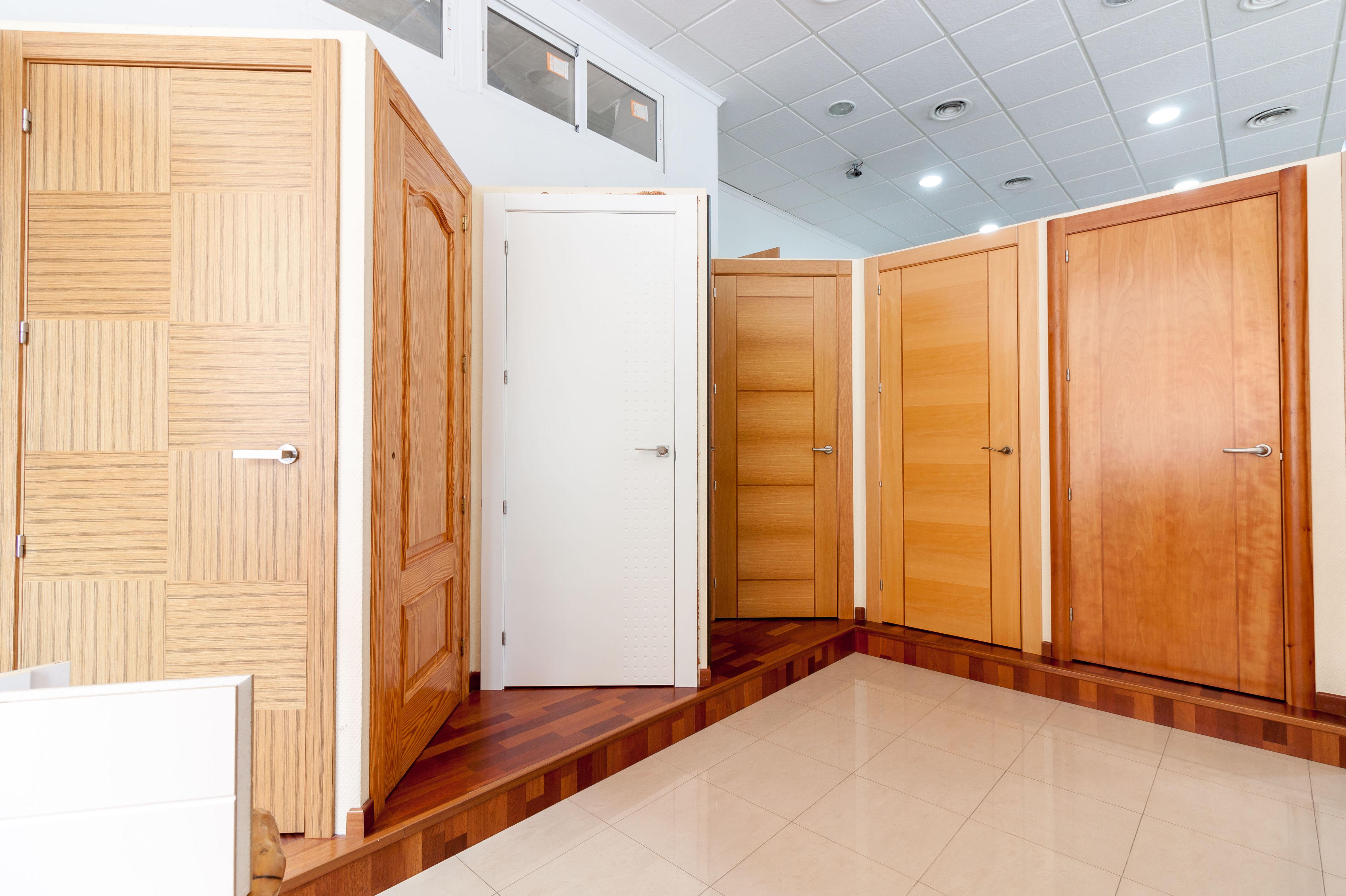 Puertas de madera en Mazarrón