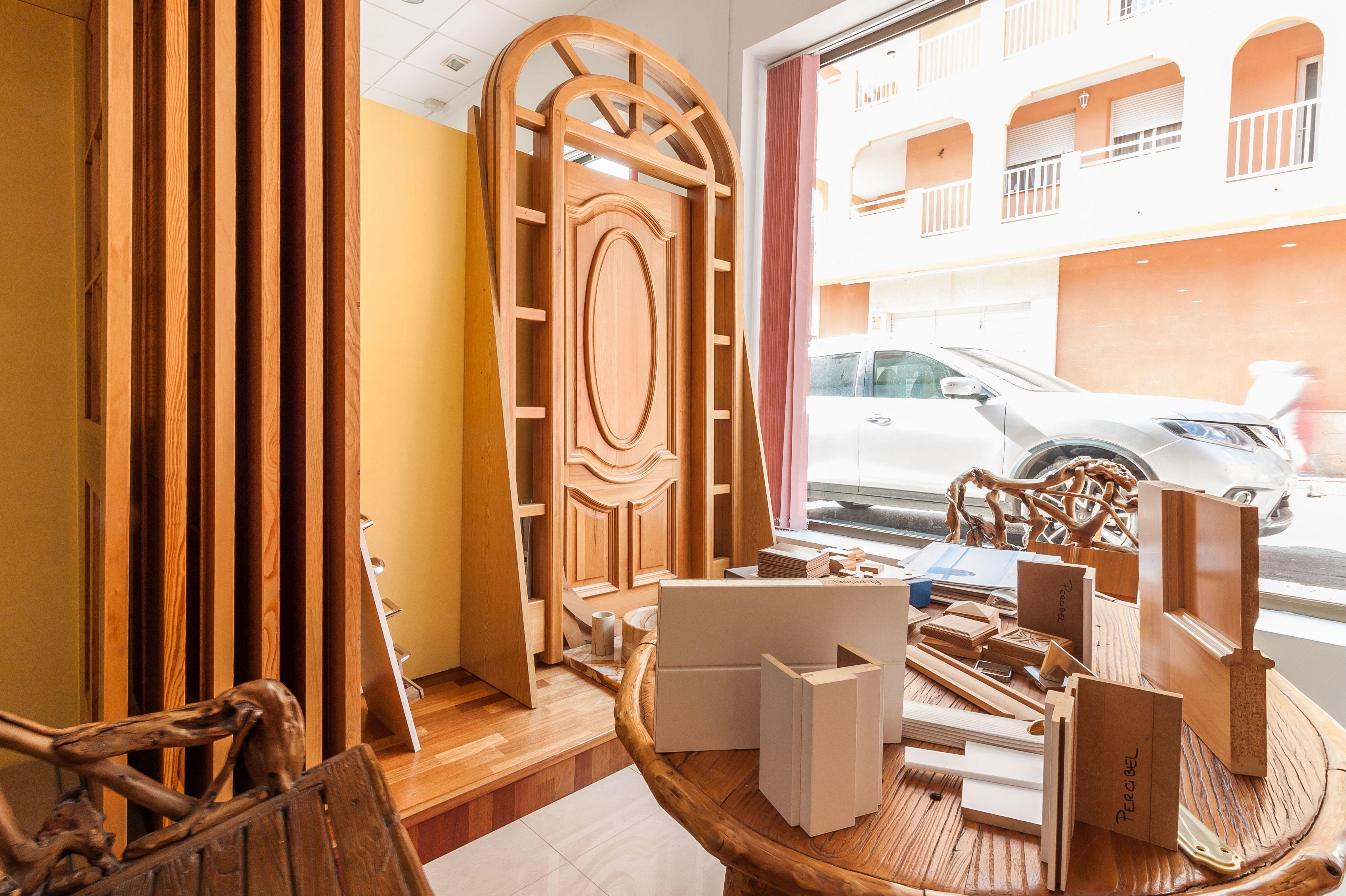 Puertas de madera a medida en Mazarrón