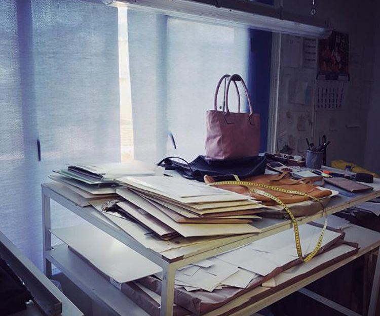 Empresa de producción de bolsos de piel en Alicante