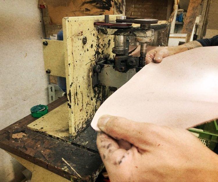 Diseño y producción de bolsos de piel en Alicante