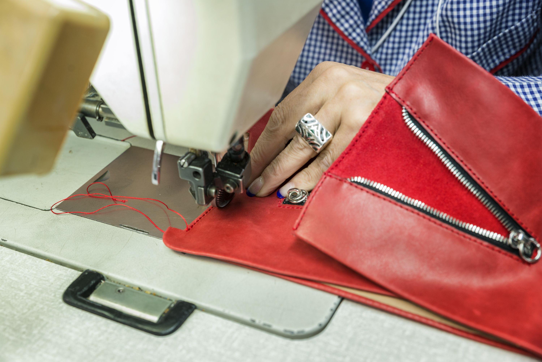 Fabricamos bolsos para todos las ocasiones, modernos, clásicos y en diferentes colores
