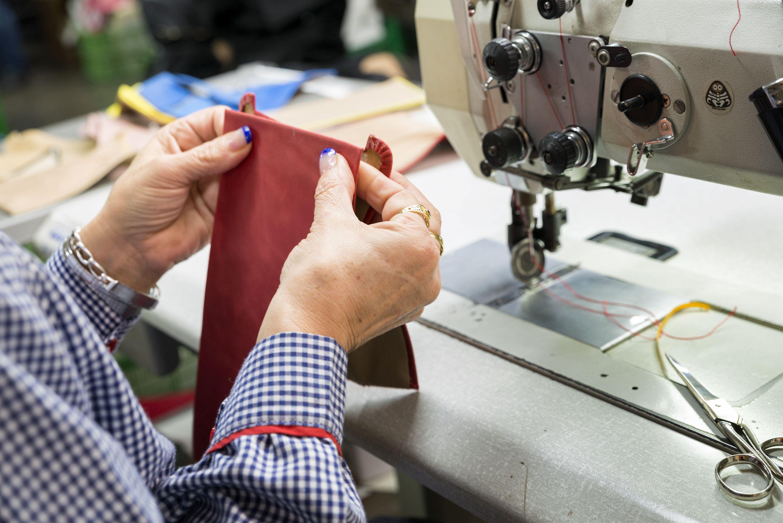 Fábrica de bolsos de cuero en Petrer