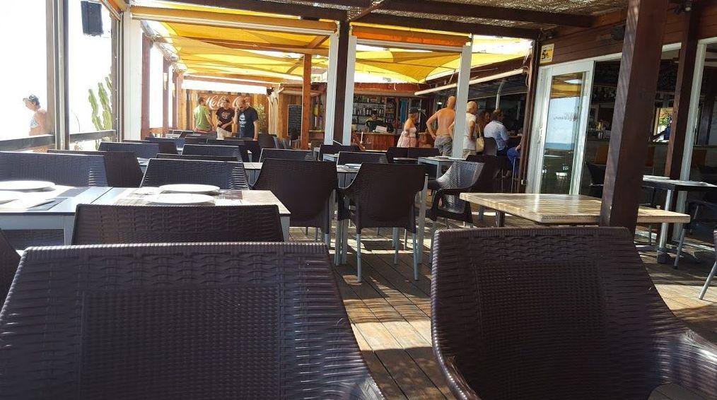 Restaurante chiringuito en primera línea de playa