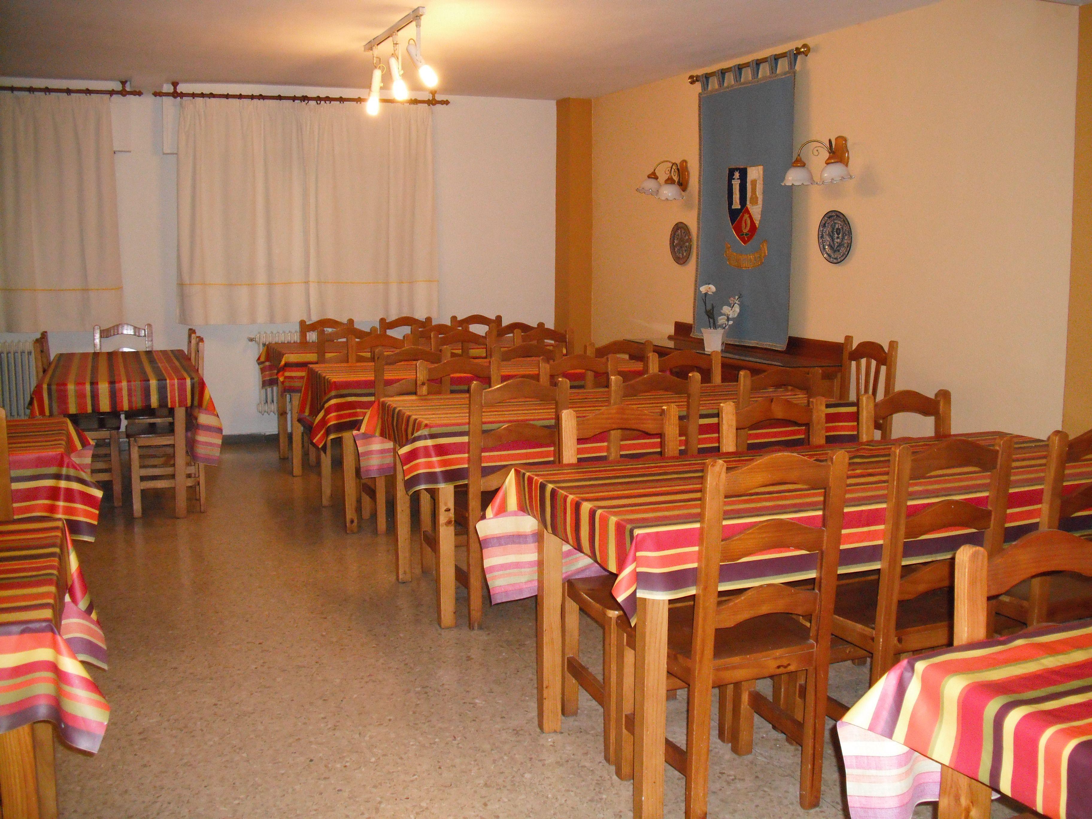 Comedor: Instalaciones y servicios de Residencia Universitaria El Pilar
