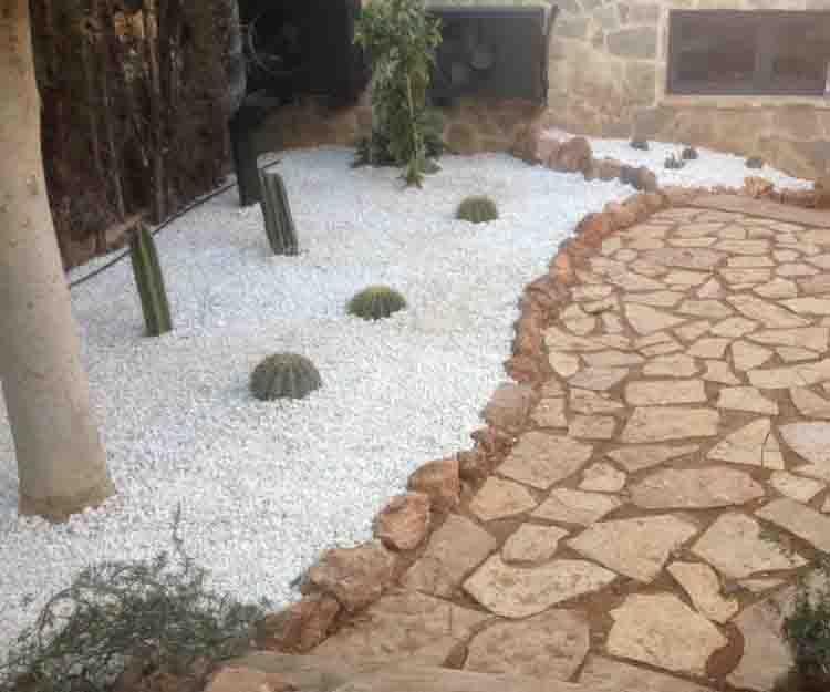 Creación de jardines en Almenara