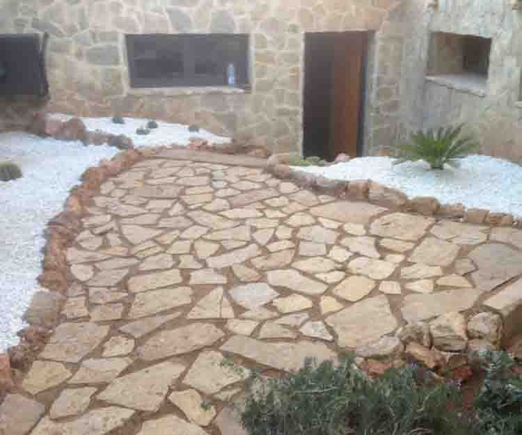 Creación de jardines en Canet d´en Berenguer