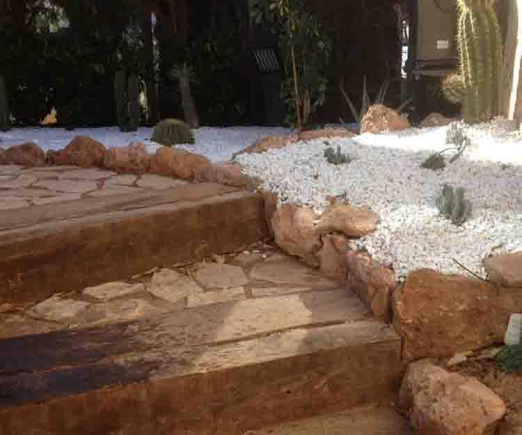 Creación de jardines en San Antonio de Benagever