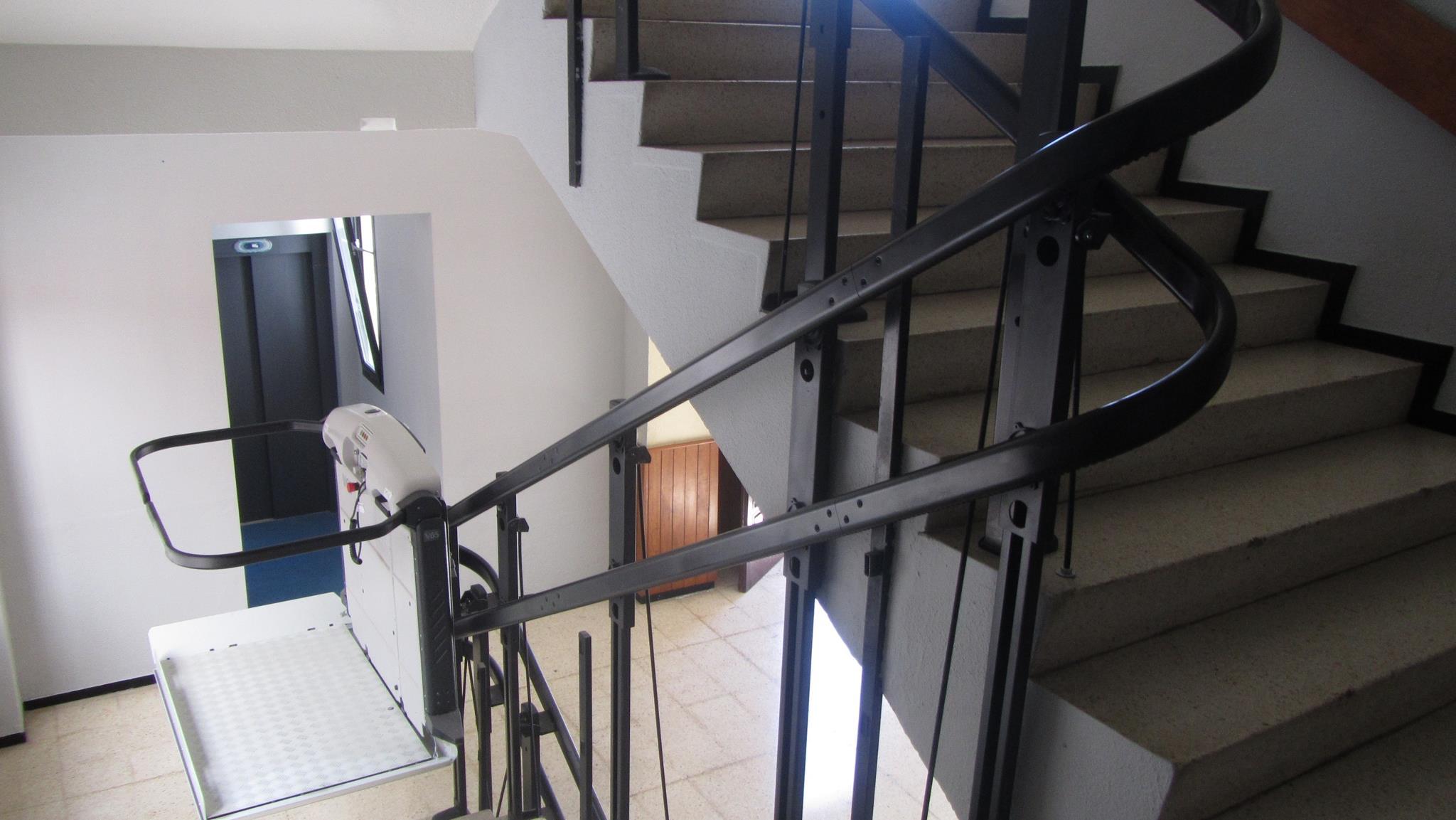 Foto 12 de Venta, instalación y reparaciones de aparatos elevadores en Tegueste | Mobiliteg Solutions