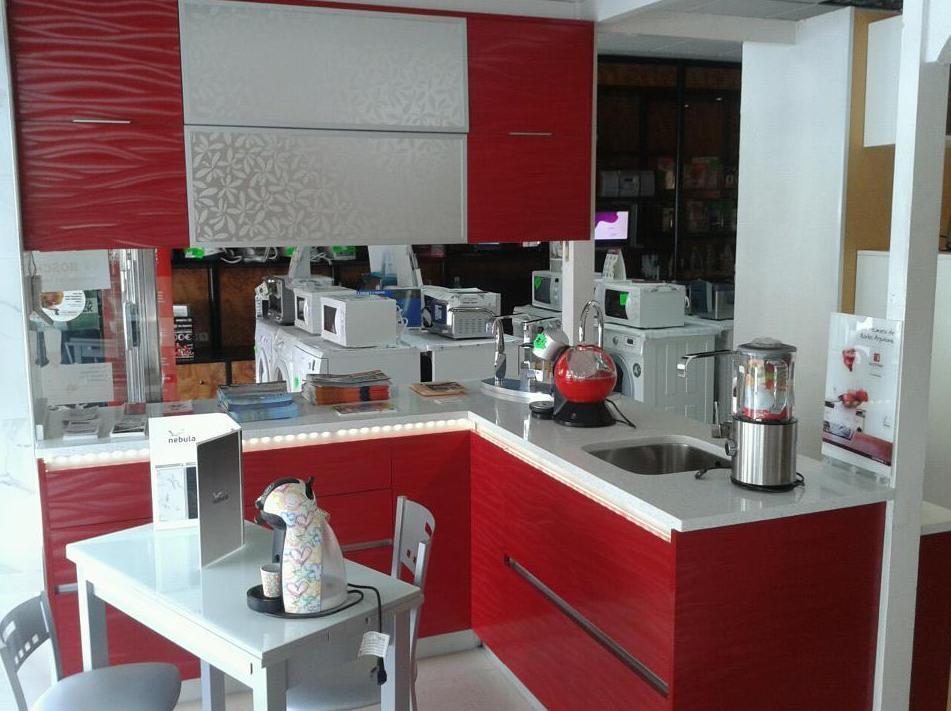 Muebles de cocina con diferentes acabados