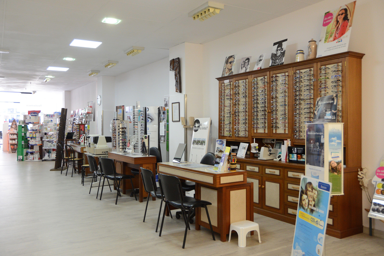 Foto 10 de Centro óptico con servicios de parafarmacia en Betanzos | Óptica Selgas