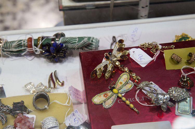 Broches, pendientes y anillos en Zaragoza