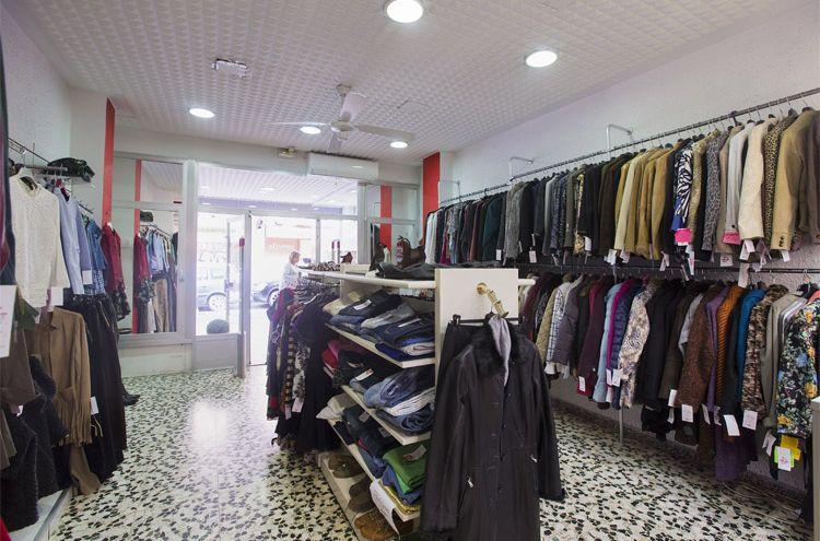 Interior de nuestra tienda de oportunidades en Zaragoza