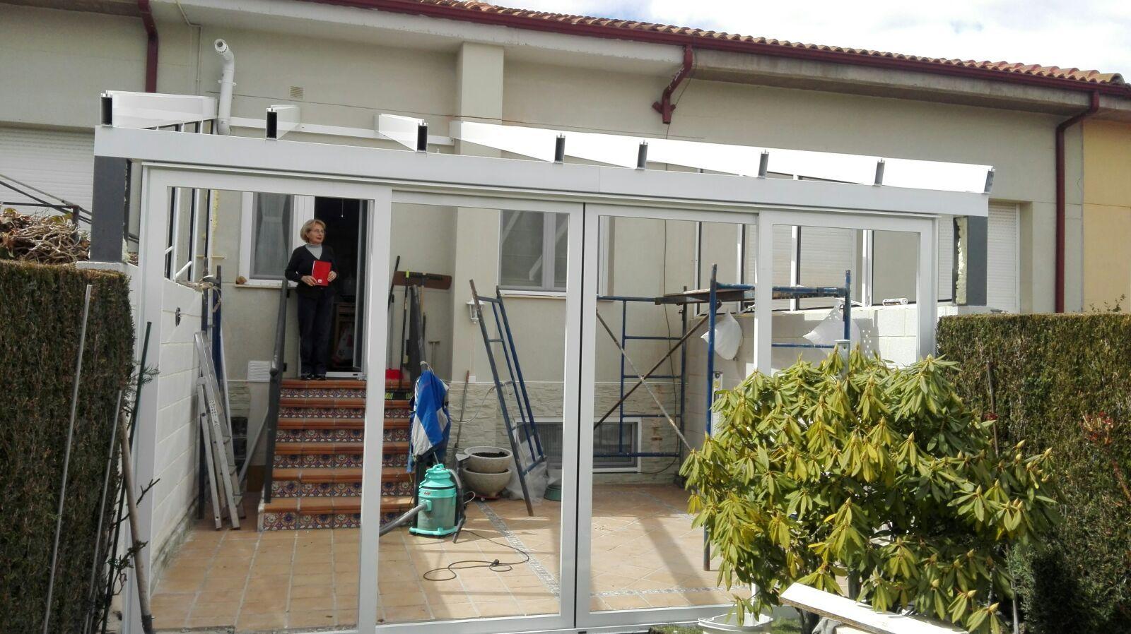 Trabajos en aluminio para comunidades en León
