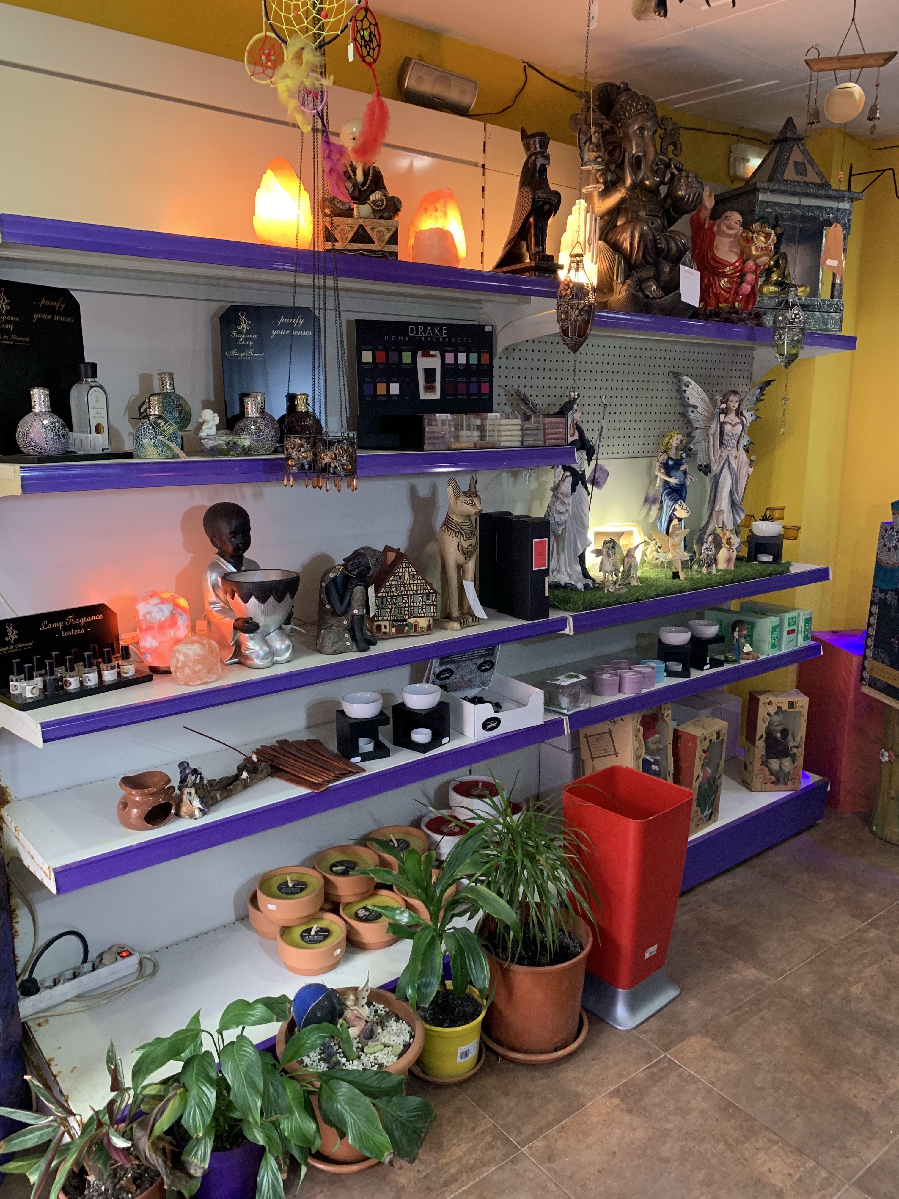 Foto 2 de Tienda esotérica en Sant Andreu de la Barca | Tienda esotérica y regalos