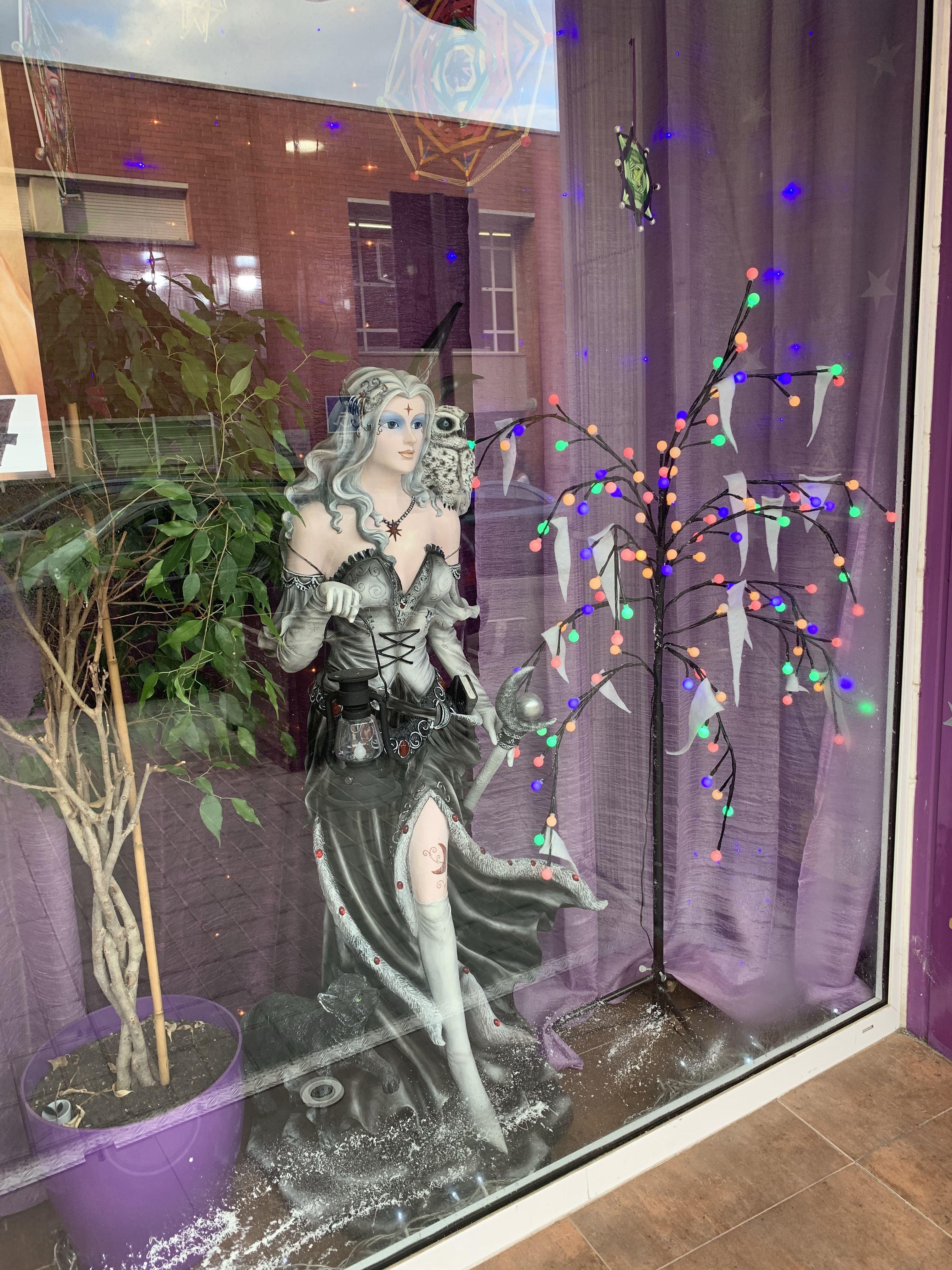 Foto 1 de Tienda esotérica en Sant Andreu de la Barca | Tienda esotérica y regalos