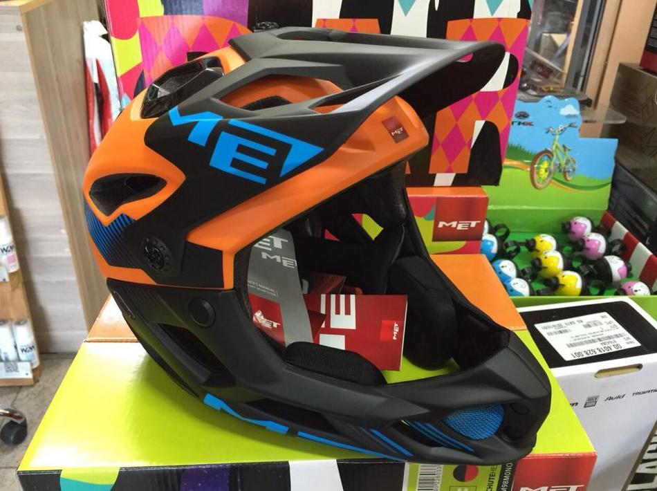 Casco Met Parachute: Productos y Servicios de Bike Sports