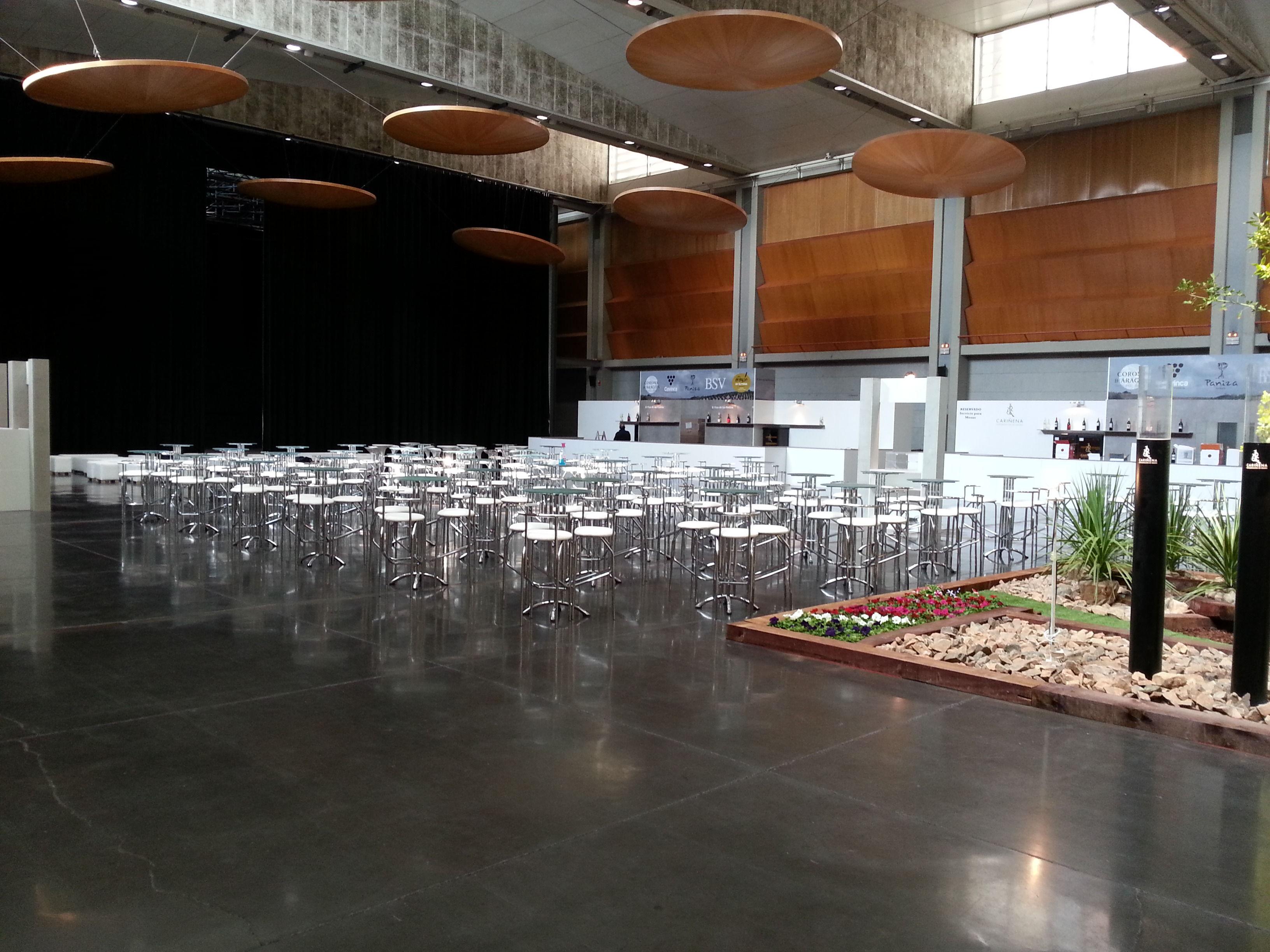 Foto 20 de Alquiler de sillas, mesas y menaje en Zaragoza | Stuhl Ibérica Alquiler de Mobiliario