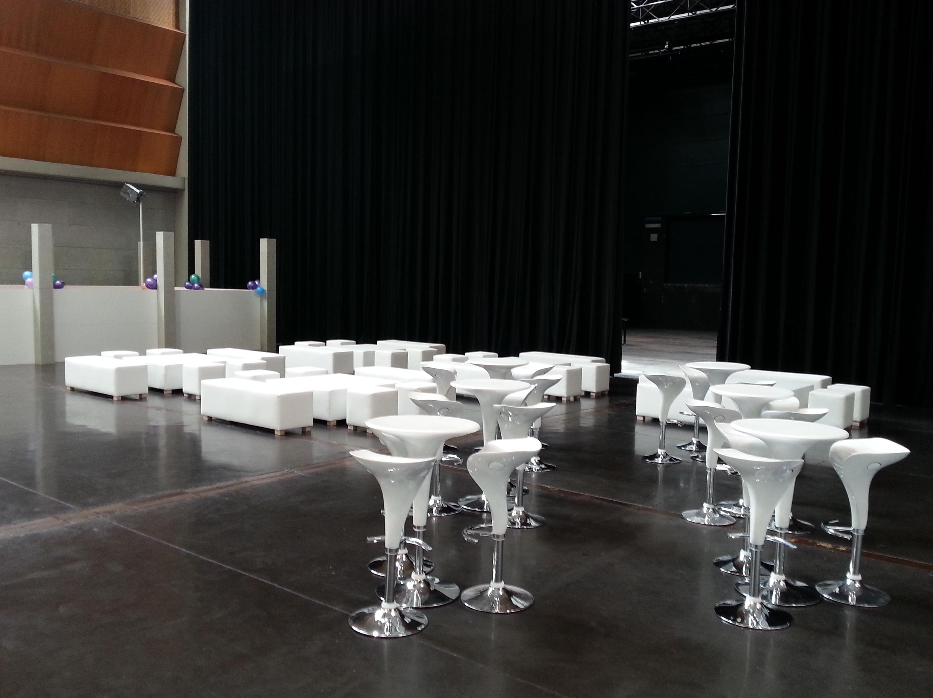 Foto 16 de Alquiler de sillas, mesas y menaje en Zaragoza | Stuhl Ibérica Alquiler de Mobiliario