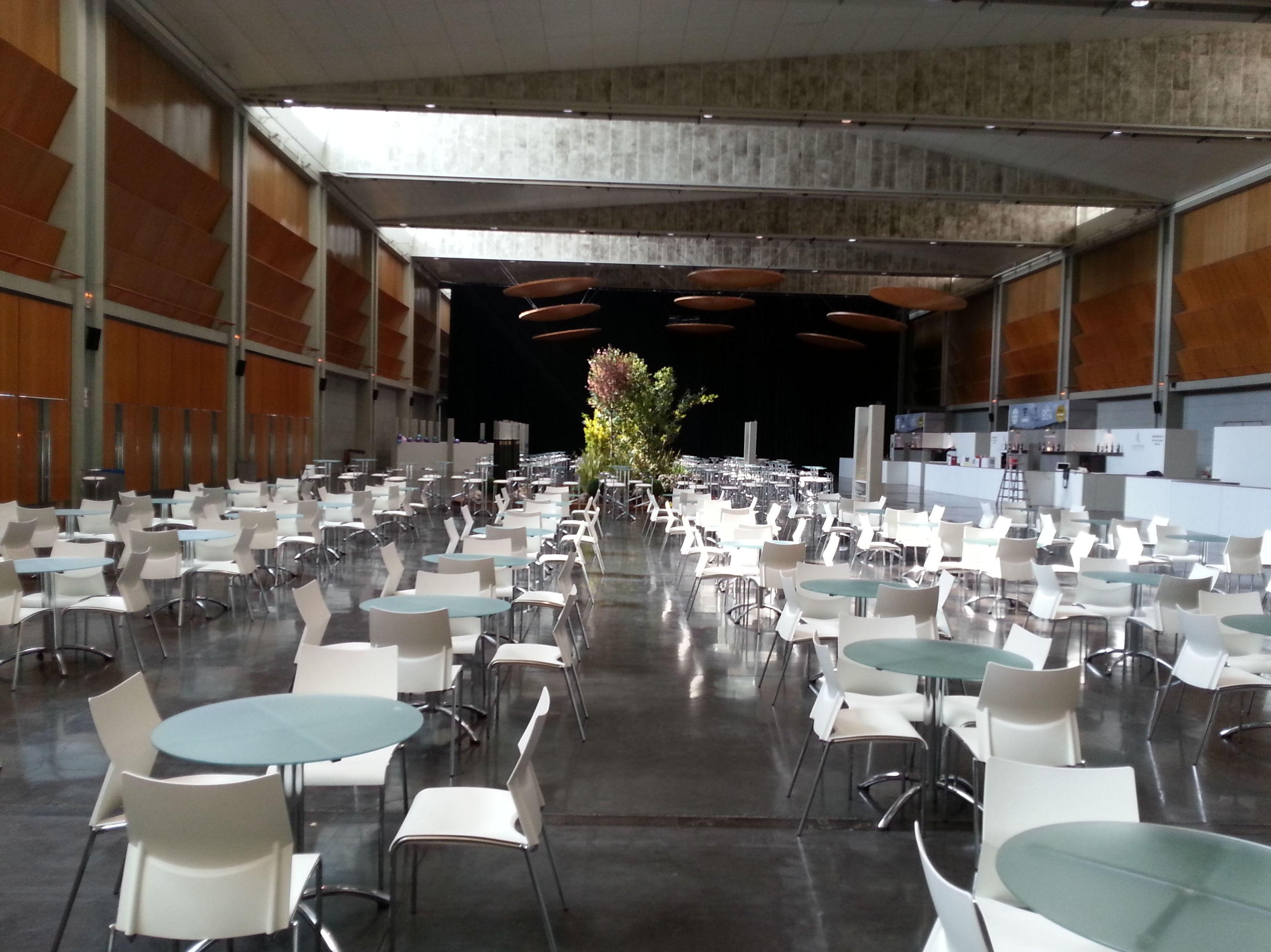 Foto 28 de Alquiler de sillas, mesas y menaje en Zaragoza | Stuhl Ibérica Alquiler de Mobiliario