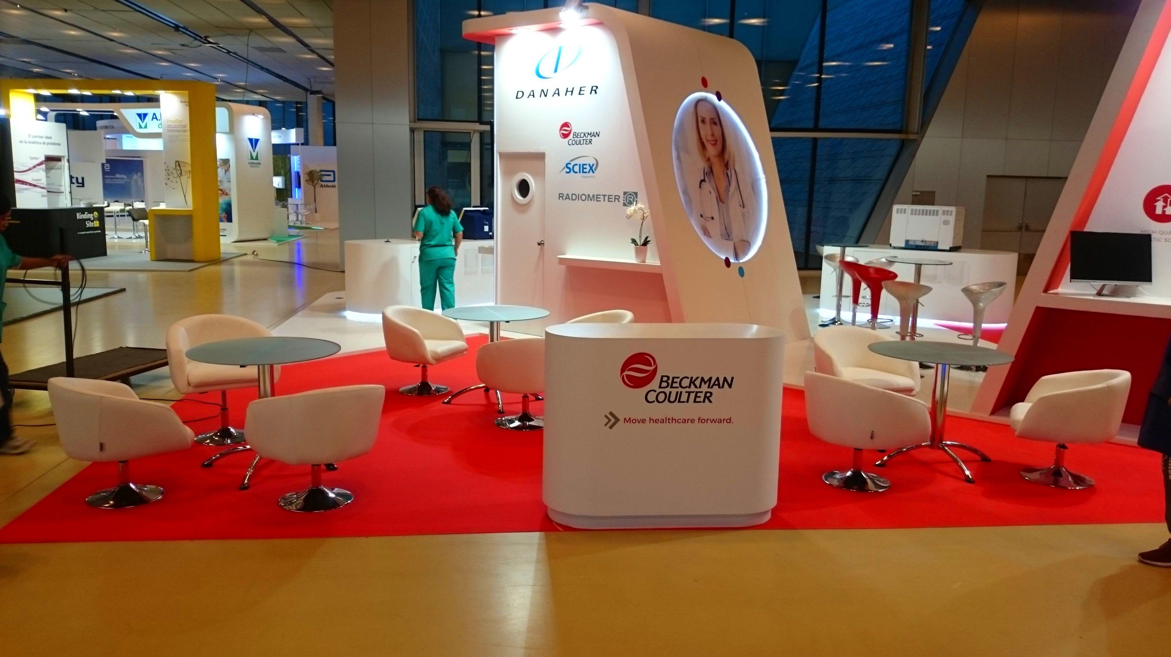 Foto 4 de Alquiler de sillas, mesas y menaje en Zaragoza | Stuhl Ibérica Alquiler de Mobiliario