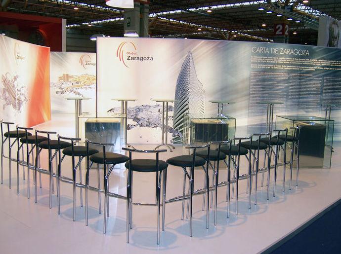 Foto 1 de Alquiler de sillas, mesas y menaje en Zaragoza | Stuhl Ibérica Alquiler de Mobiliario