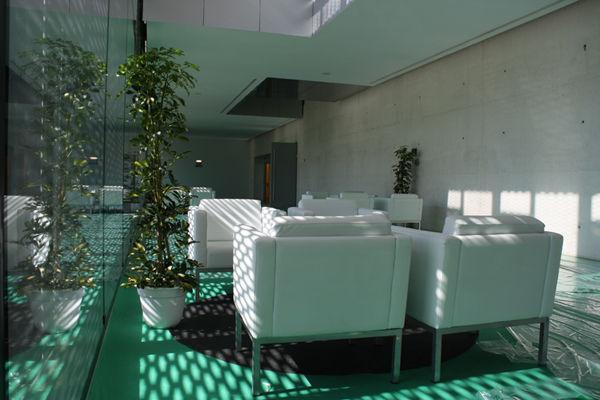 Foto 14 de Alquiler de sillas, mesas y menaje en Zaragoza | Stuhl Ibérica Alquiler de Mobiliario