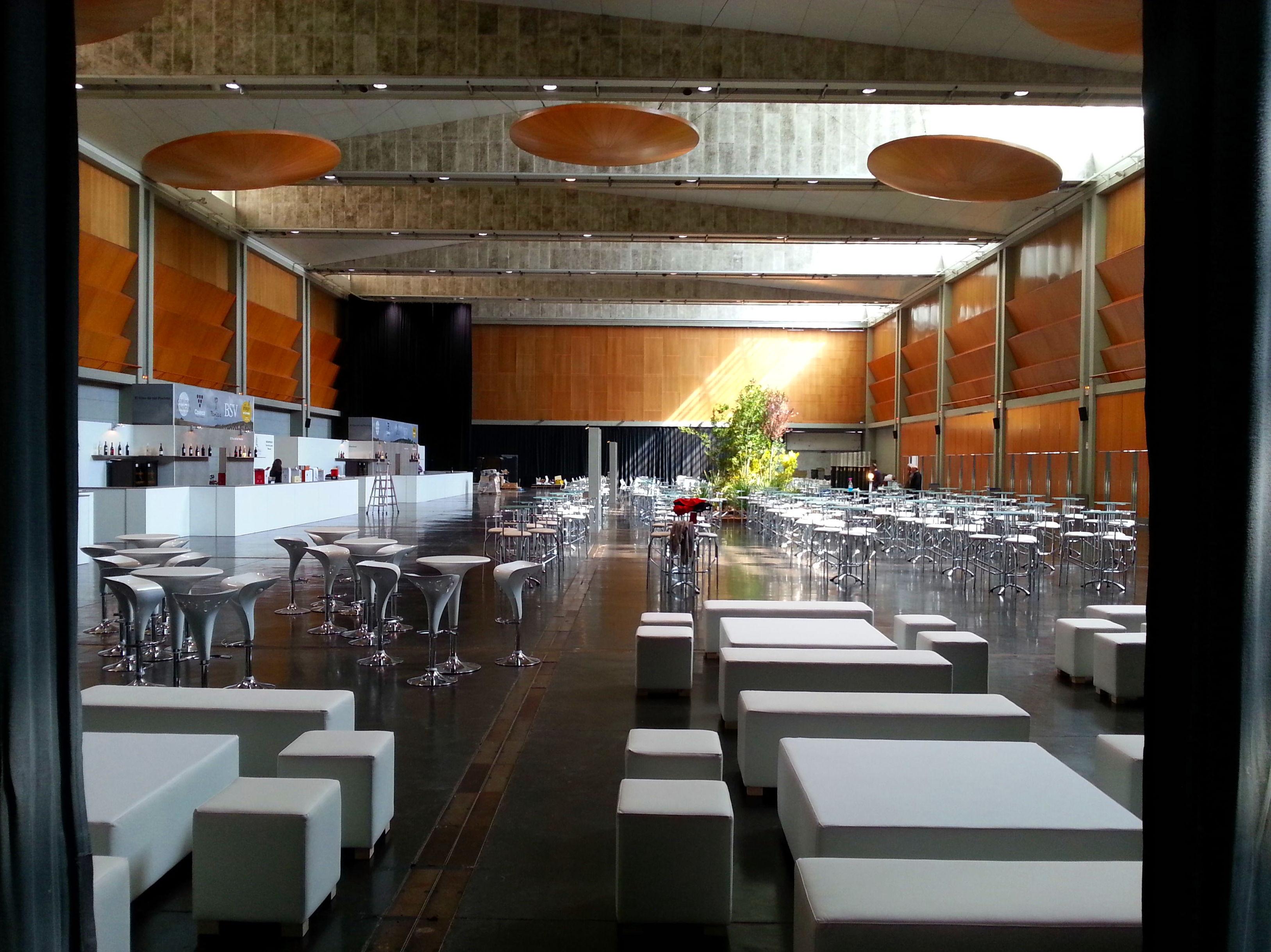 Foto 15 de Alquiler de sillas, mesas y menaje en Zaragoza | Stuhl Ibérica Alquiler de Mobiliario