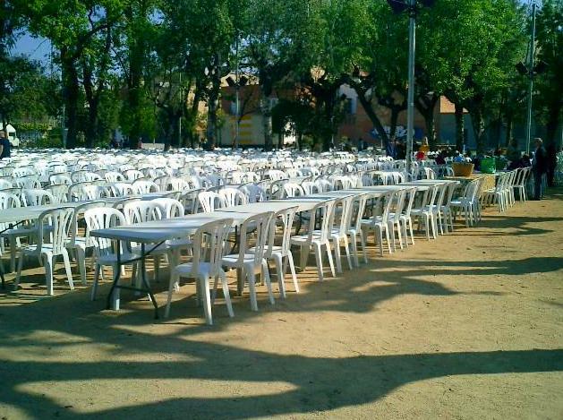Foto 9 de Alquiler de sillas, mesas y menaje en Zaragoza | Stuhl Ibérica Alquiler de Mobiliario