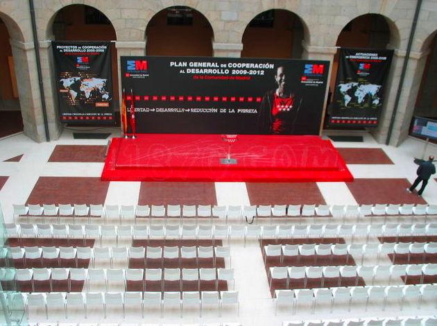 Foto 26 de Alquiler de sillas, mesas y menaje en Zaragoza | Stuhl Ibérica Alquiler de Mobiliario