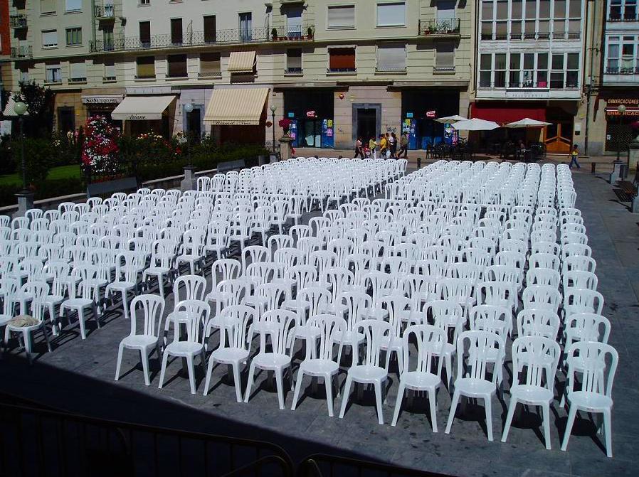 Foto 10 de Alquiler de sillas, mesas y menaje en Zaragoza | Stuhl Ibérica Alquiler de Mobiliario