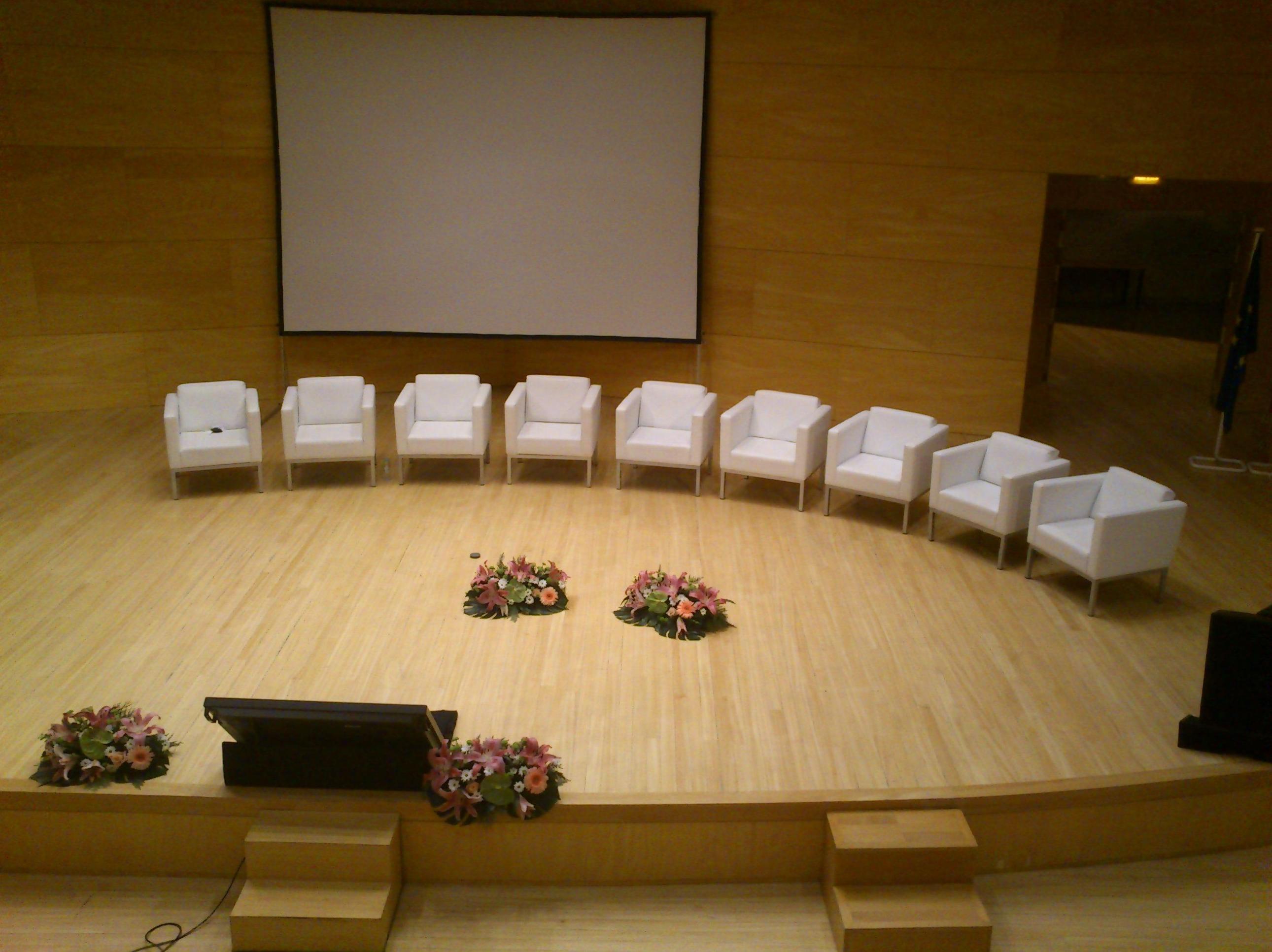 Foto 13 de Alquiler de sillas, mesas y menaje en Zaragoza | Stuhl Ibérica Alquiler de Mobiliario