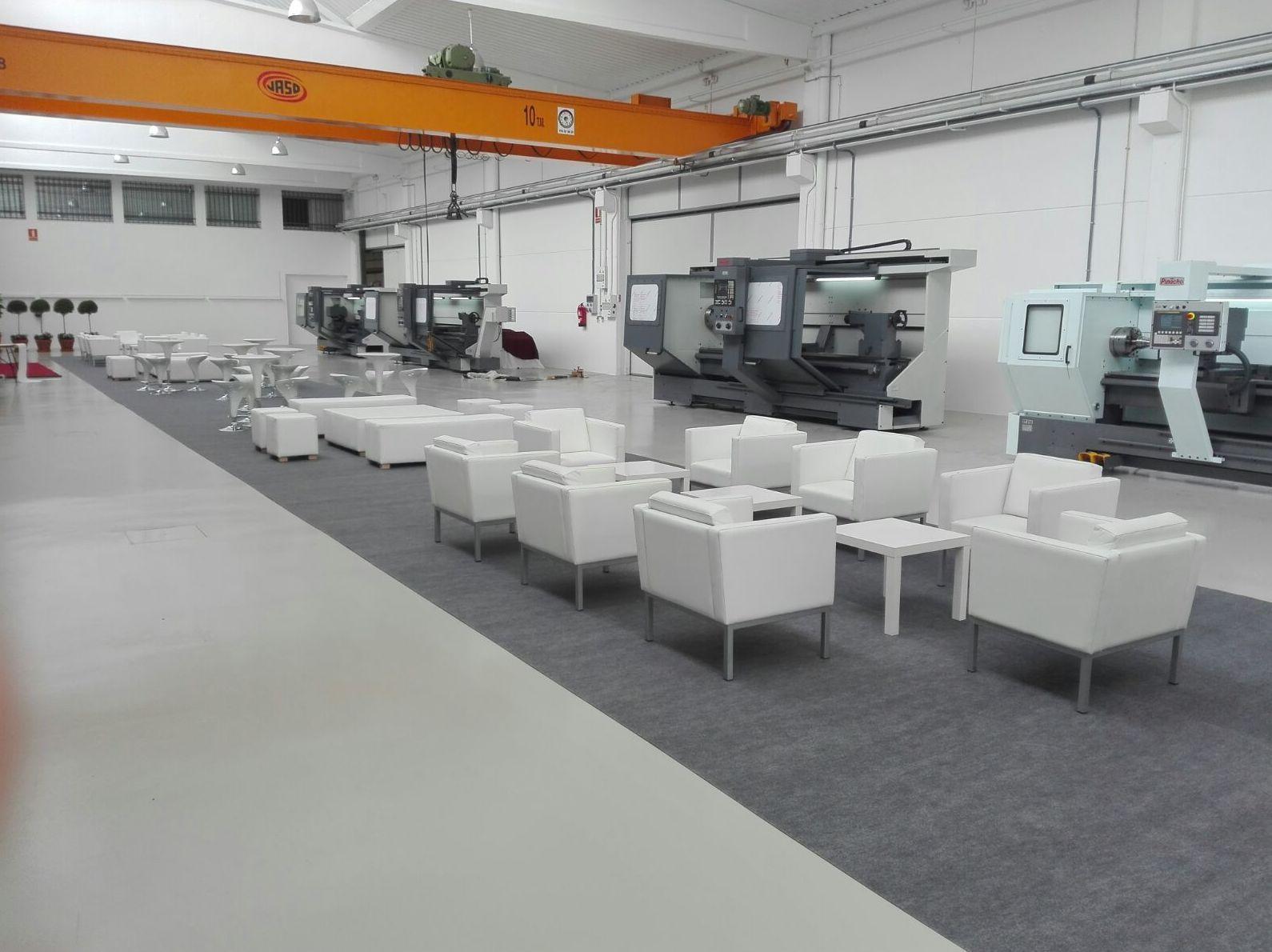 Foto 8 de Alquiler de sillas, mesas y menaje en Zaragoza | Stuhl Ibérica Alquiler de Mobiliario