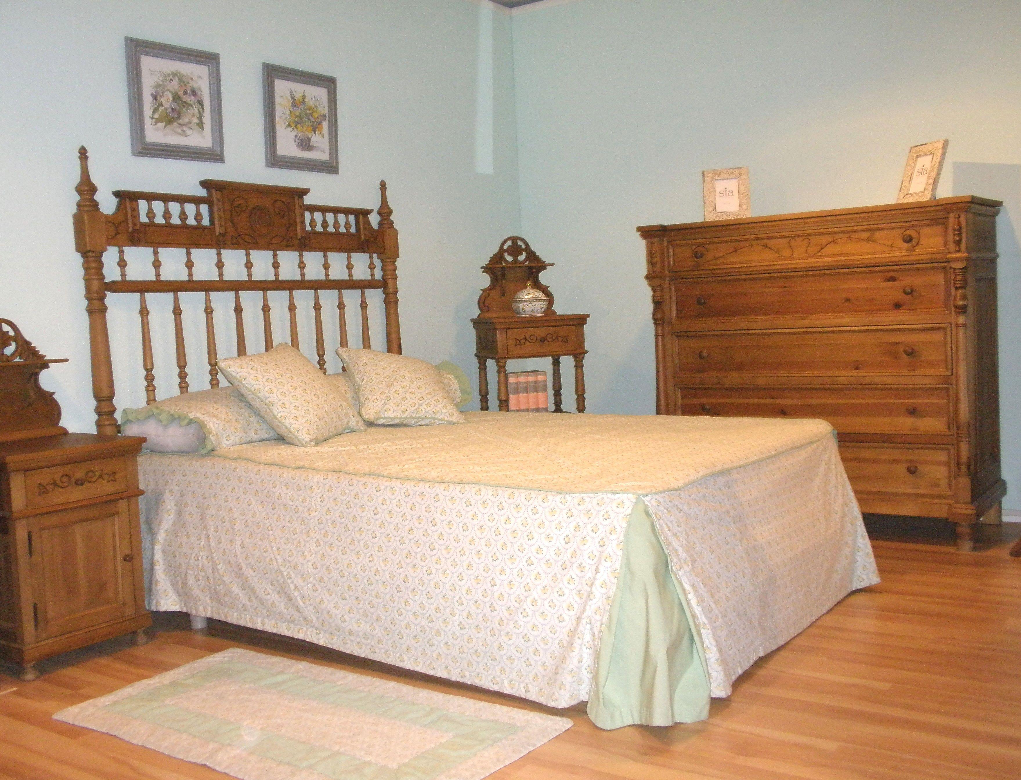 Dormitorios coloniales y clásicos: Productos de Muebles Comar