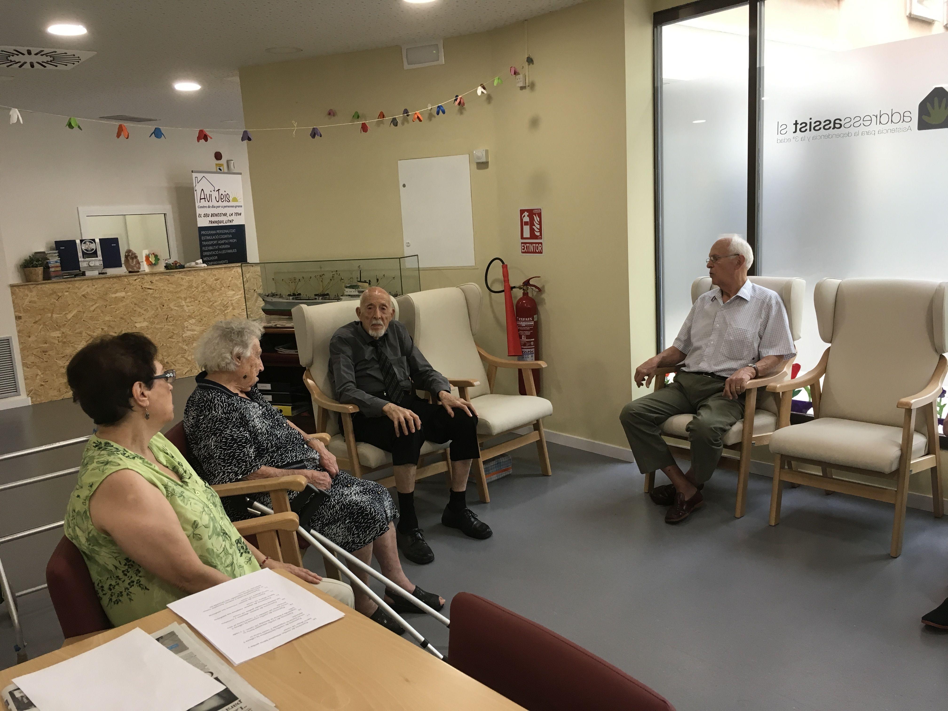 Foto 46 de Centros de día en Barcelona | Avi Jeis Centro de dia para personas mayores