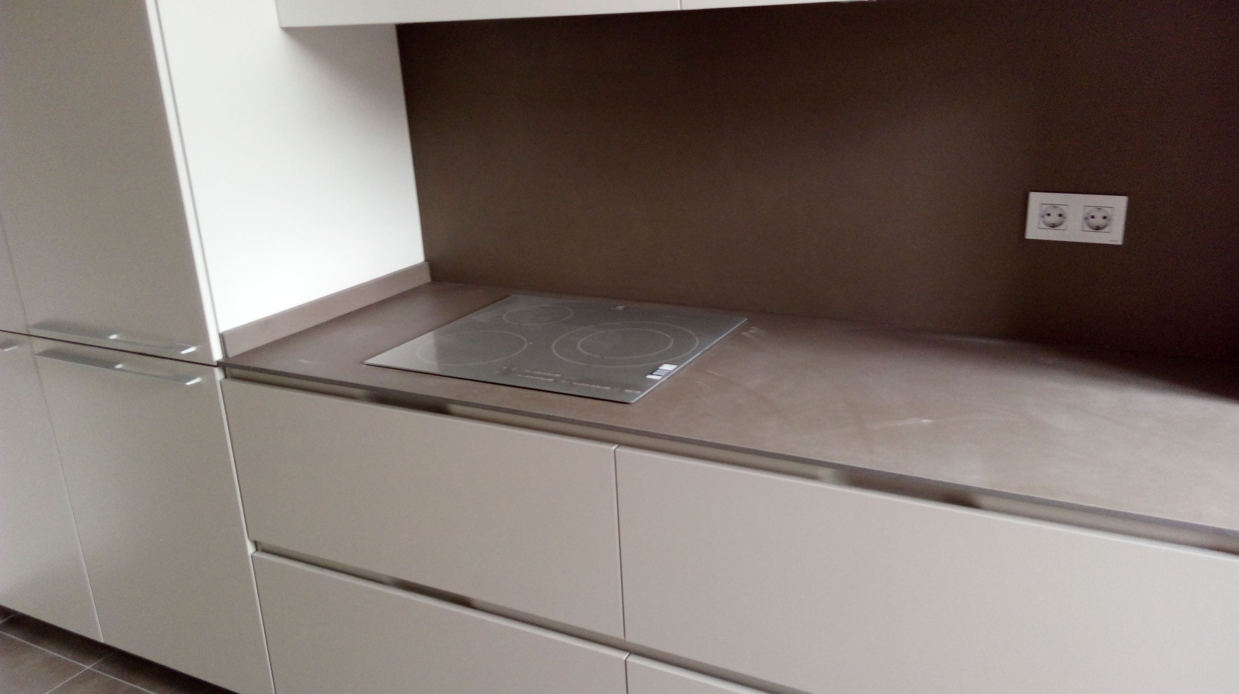 Colocación de encimeras de cocina