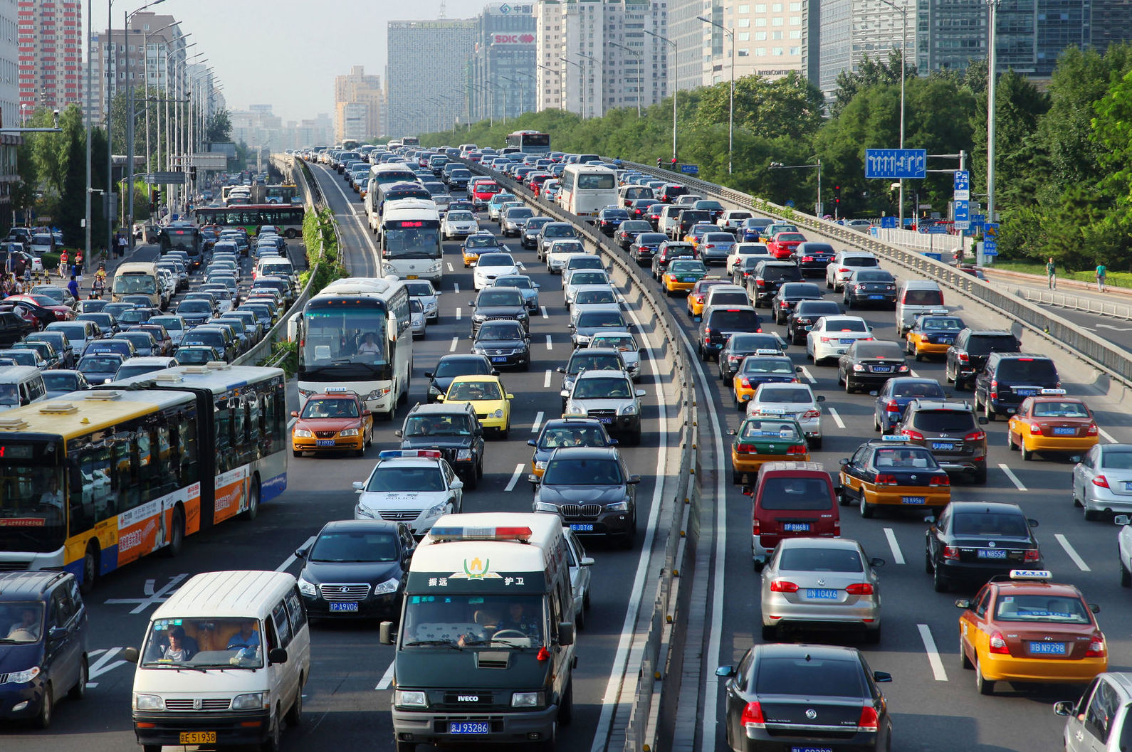 El ruido del tráfico provoca tanta enfermedad como la contaminación atmosférica