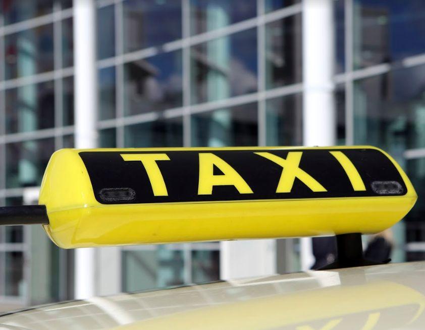 Servicio a empresas: Servicios de Taxi Torija
