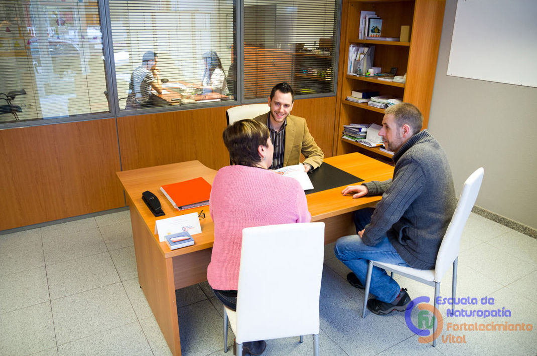 Equipo de profesionales a su disposición en Fortalecimiento Vital: Cursos de Naturopatía  de Fortalecimiento Vital    Gijón&Madrid