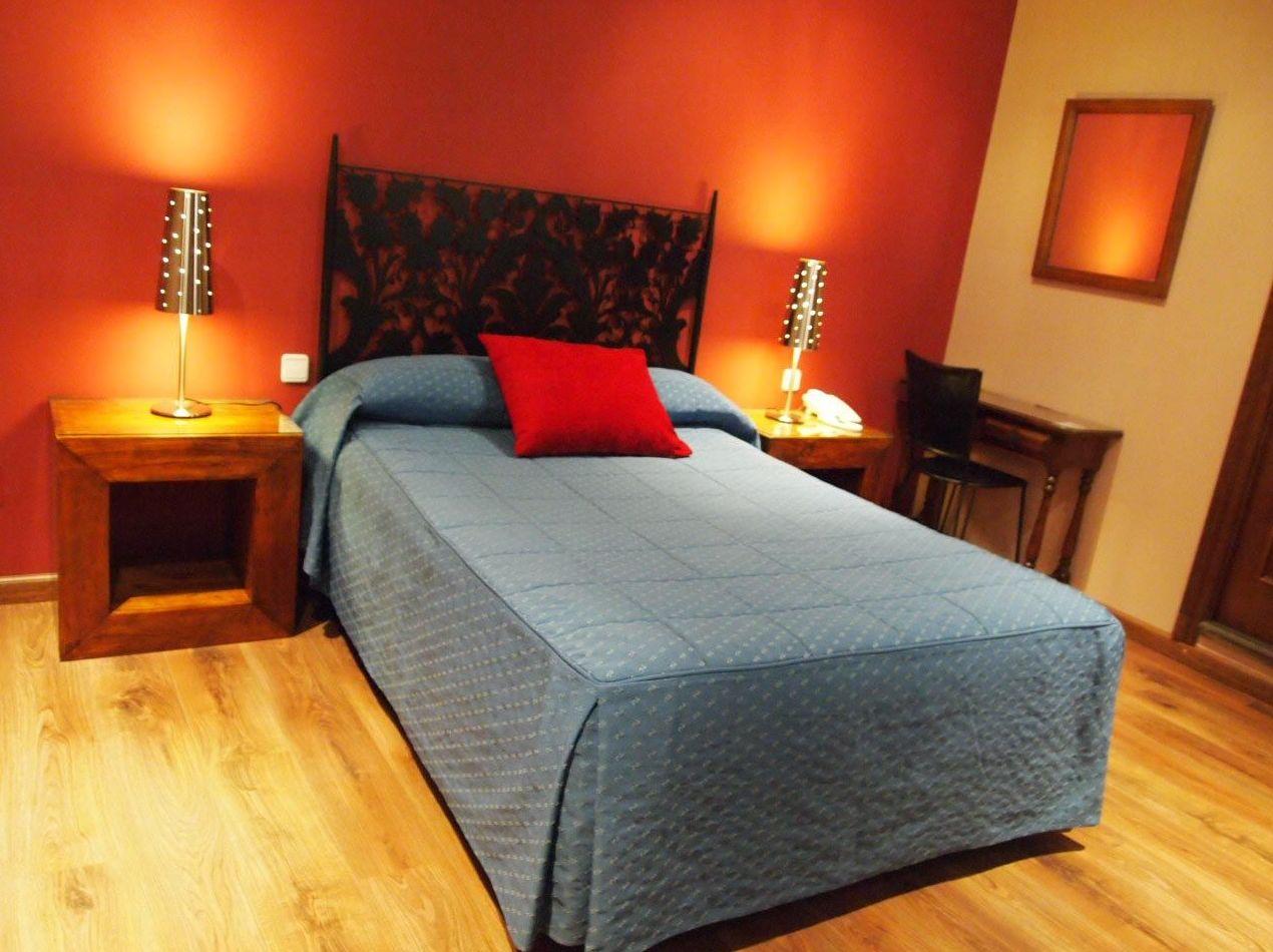 Hostales en Segovia. Habitación sencilla